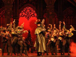 Galeria: Dziadek doOrzechów wwykonaniu artystów Narodowego Baletu Kijowskiego
